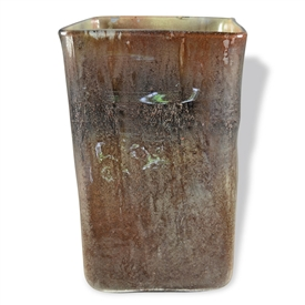 Pictured here is the Brown Sugar Square Glass Vase from Couleur